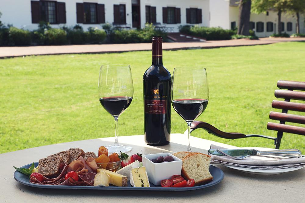 cheese platter with Plaisir de Merle Cabernet Sauvignon red wine